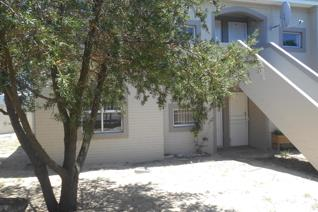 Ground Floor apartment to rent in Sonstraal Heights, Durbanville  This lovely, newly ...