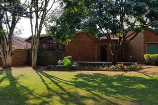 This property offers 5 large bedrooms, 2 bathrooms, a spacious lounge and dining area ...