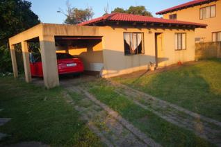 This two bedroom home that's nestled in a secure Estate is just waiting for you to occupy it.  Offering two bedrooms, a family ...