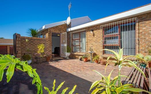 3 Bedroom Townhouse for sale in Stellenridge