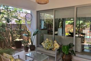 Ultra modern 3 bedroom, 3 bath en-suite plus guest toilet, double garage with domestic toilet & shower, open living area & ...