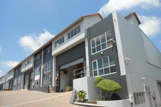 460sqm Warehouse FOR SALE in 24-hour secure business park, close to N1 Allendale  - ...