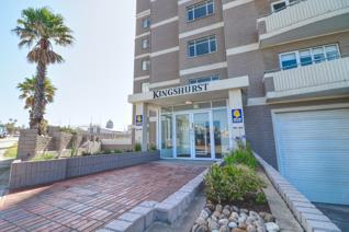 Kingshurst retirement/life right apartments. This extra spacious 1 bedrooms 80m² apartment is on the ground floor for easy access ...