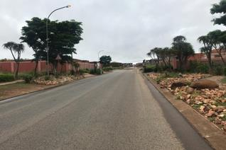 This is a lovely 600 m2 vacant land, Working distance Savannah mall, Netcare Pholoso hospital and Schools. It has beautiful ...