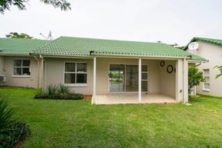 Ideally located within close proximity to Ballito Junction mall is this spacious simplex ...