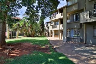 This well maintained ground floor unit offers the following; 1 bedroom with BIC's and ...