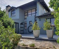 Townhouse for sale in Hartenbos Central