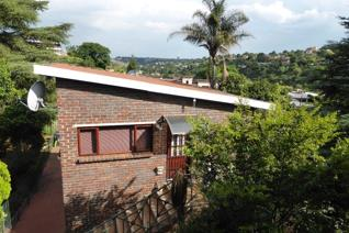 Open style to maximise splendid views of one of the best suburbs.  Situated in a prime ...