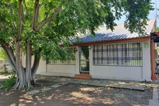 Ideally situated in Convent Road.  Close to La Verna Hospital, Medical and other office ...