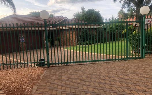 4 Bedroom House for sale in Sterpark
