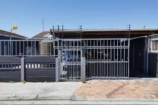 Property For Sale in Portlands, Mitchells Plain  Portland, Mitchells Plain: Three bedrooms all with build in cupboards and laminating ...