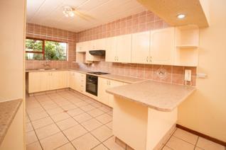 Lovely 2 Bedroom Duplex To Let in the Krugersdorp North Area. 2 Bathrooms (en suite) ...