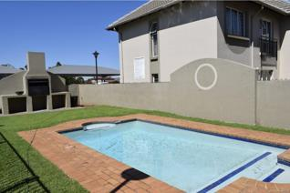 Very neat ground floor townhouse with a small private garden.   This unit has got 2 ...