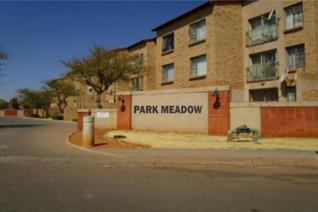 This cosy flat offers the following:  UNIT       • 2 Bedrooms      • 1 Bathroom       • ...