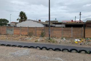 A 2 bedrooms semi detached house with backrooms in Manenberg is available for SALE for ...