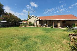 Perfect family home with loads of space to entertain  This home features 3 Bedrooms 2 ...