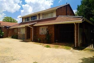 Located in Eastleigh within a Pan Handle Stand.  Investors Dream / Renovators ...