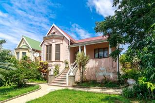 Great spacious 3 bedroom house   Solid 3 bedroom house, with built-in cupboards in the bedrooms and the kitchen. 2 Bathrooms. ...