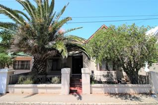 This spacious family home which has been owned by the current family for 55 years is a ...