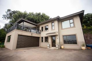 This amazing property in situated a stone throw away from the Plantions estate in ...