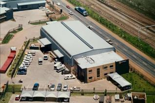 A must see ......... Warehouse/Factory in secure Business Park in Jet Park, Boksburg.  ...