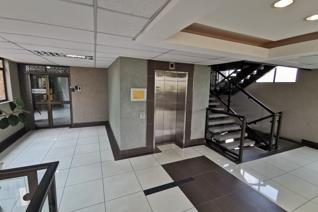 This upmarket office space is situated on the 2nd floor of a  on North Rand road clearly visible to the public on all sides. It ...