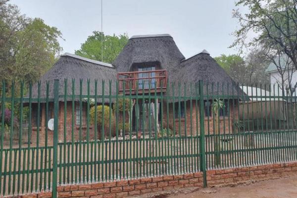 1 Bedroom House For Sale In Phalaborwa P24 108656694