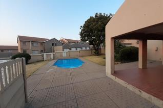2 spacious units at Sunset Villas, Vorna Valley, Midrand immediately available for rent. Both are upper units, 2 bed , 1 full bath ...