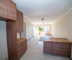 Apartment / Flat for sale in Fairland