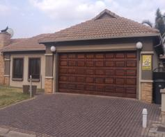 Townhouse for sale in Sunair Park