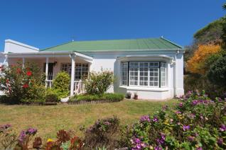 JOINT MANDATE:  Spacious north facing cottage, neat and comfortable with 2 bedrooms and ...
