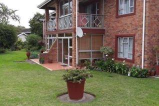 This one bed flat is spick 'n Span. 64m2. Ideal for wheel chair. The complex has a ...