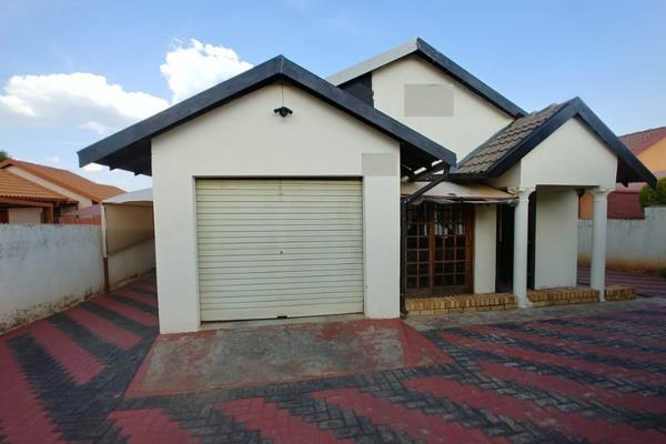 3 Bedroom House For Sale In Tlhabane West P24 109372153