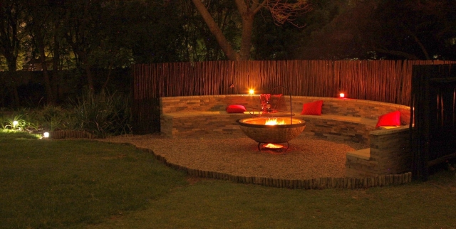 5 outdoor fire pit ideas for summer evening entertaining ... on Modern Boma Ideas id=63605