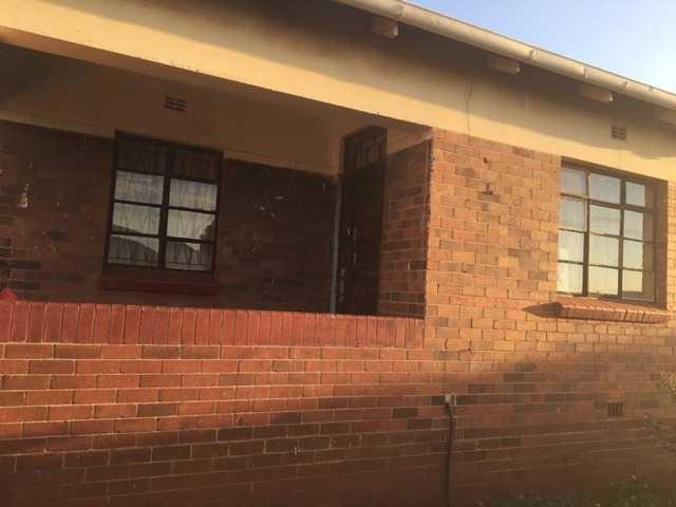 2 Bedroom House To Rent In Coronationville Plumstead Street P24 104757070