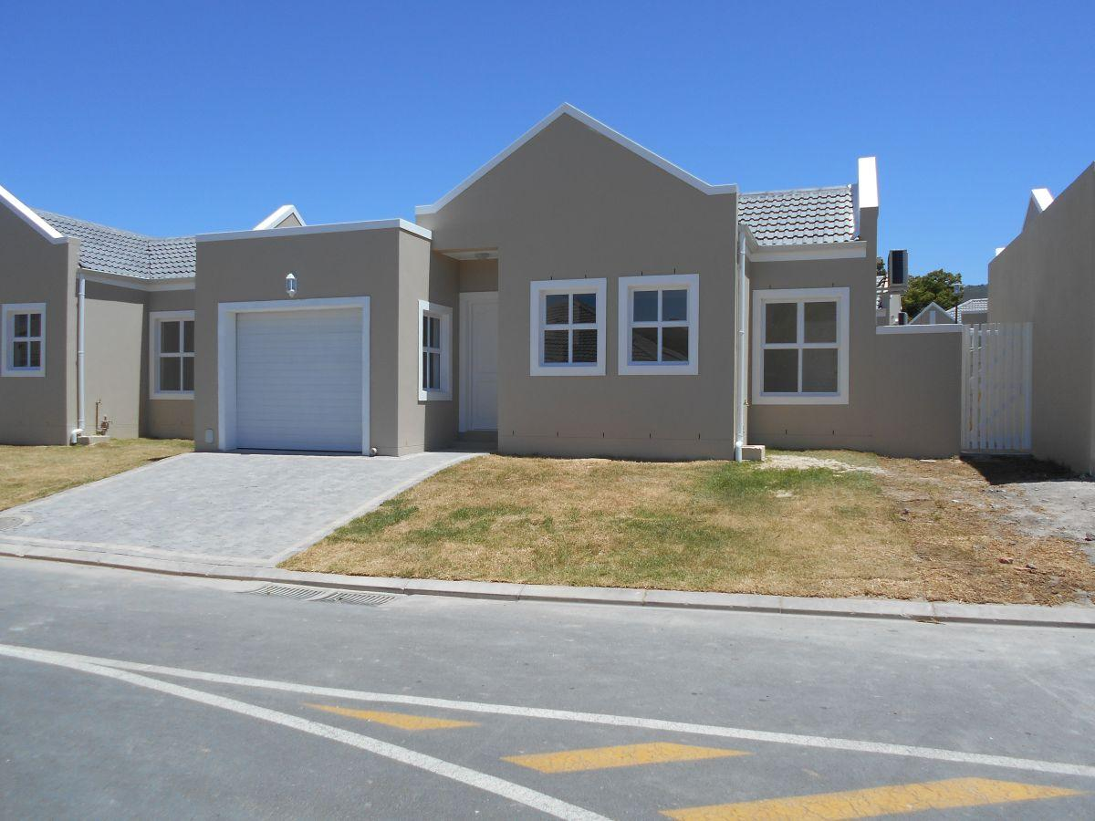 2 bedroom townhouse for sale in paarl central for 2 bedroom townhouse