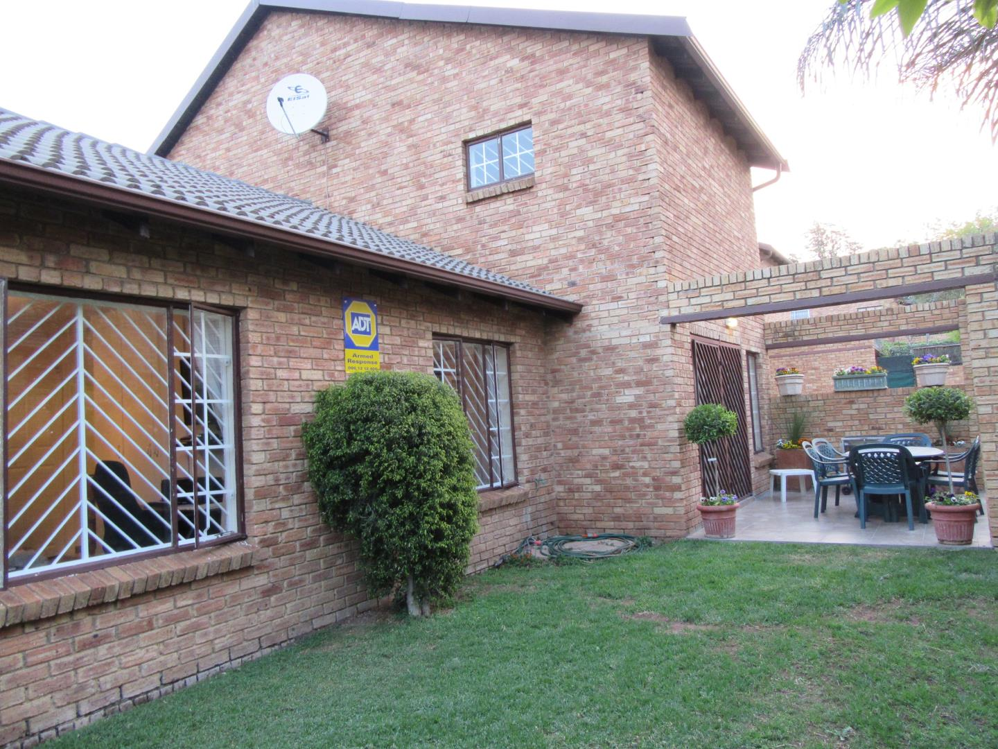 3 bedroom townhouse for sale in bromhof