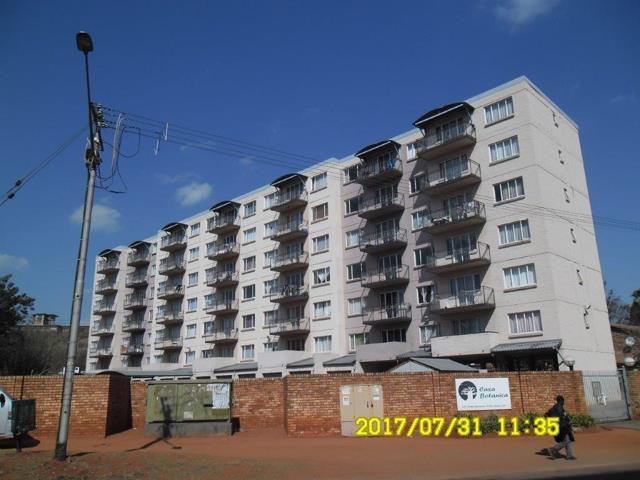 , Apartment / Flat, 2 Bedrooms - ZAR 500,000