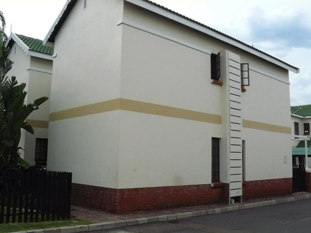 , Townhouse, 2 Bedrooms - ZAR 790,000