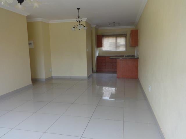 , Townhouse, 3 Bedrooms - ZAR 980,000