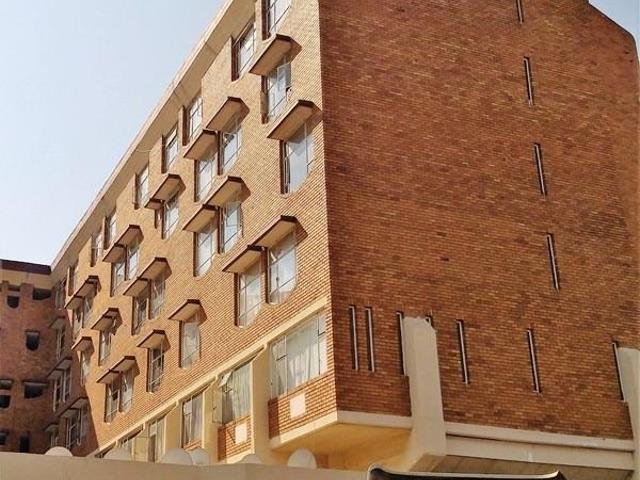 , Apartment / Flat, 2 Bedrooms - ZAR 425,000