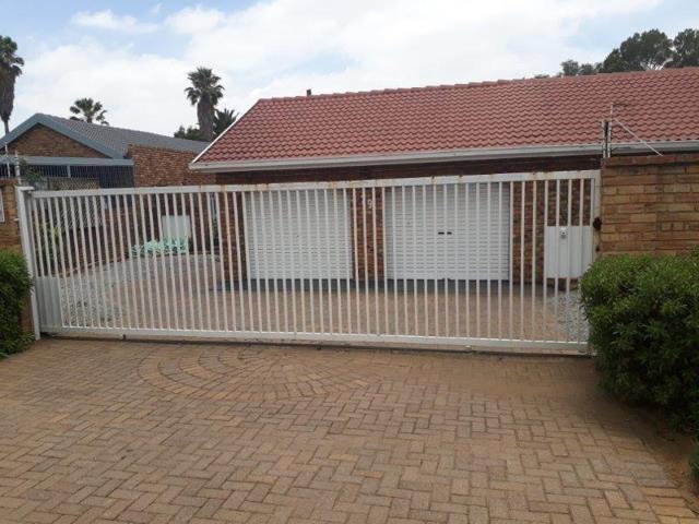 , House, 3 Bedrooms - ZAR 1,690,000