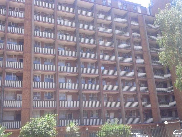 , Apartment / Flat, 2 Bedrooms - ZAR 435,000