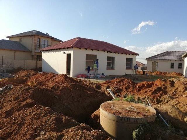, House, 3 Bedrooms - ZAR 910,000