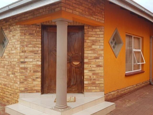 , House, 3 Bedrooms - ZAR 700,000
