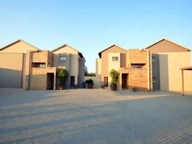 Property and Houses for sale in North West, House, 16 Bedrooms - ZAR 999,999,999