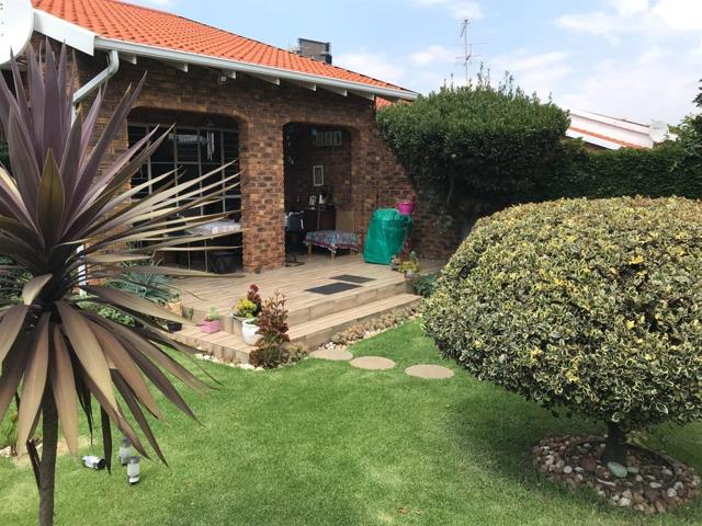 Property and Houses for sale in Elma Park, Townhouse, 3 Bedrooms - ZAR 1,900,000