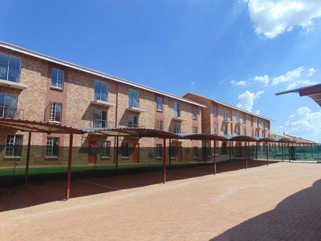 , Townhouse, 2 Bedrooms - ZAR 554,000
