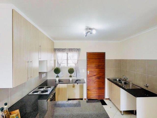, Apartment / Flat, 2 Bedrooms - ZAR 769,000