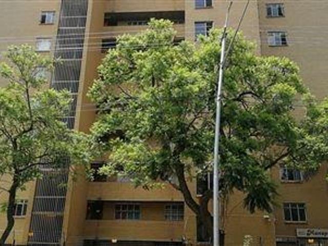 , Apartment / Flat, 3 Bedrooms - ZAR 620,000